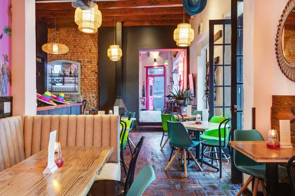 Cafe-Manhattans(6)